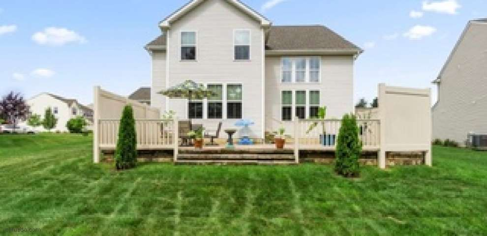 10253 Flagstone Dr, Twinsburg, OH 44087