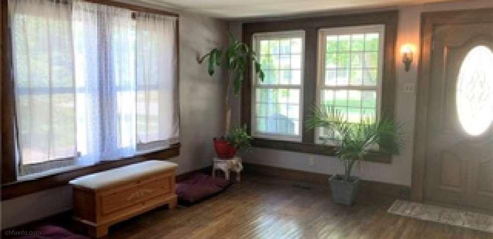 301 E Herrick Ave, Wellington, OH 44090 - Property Images