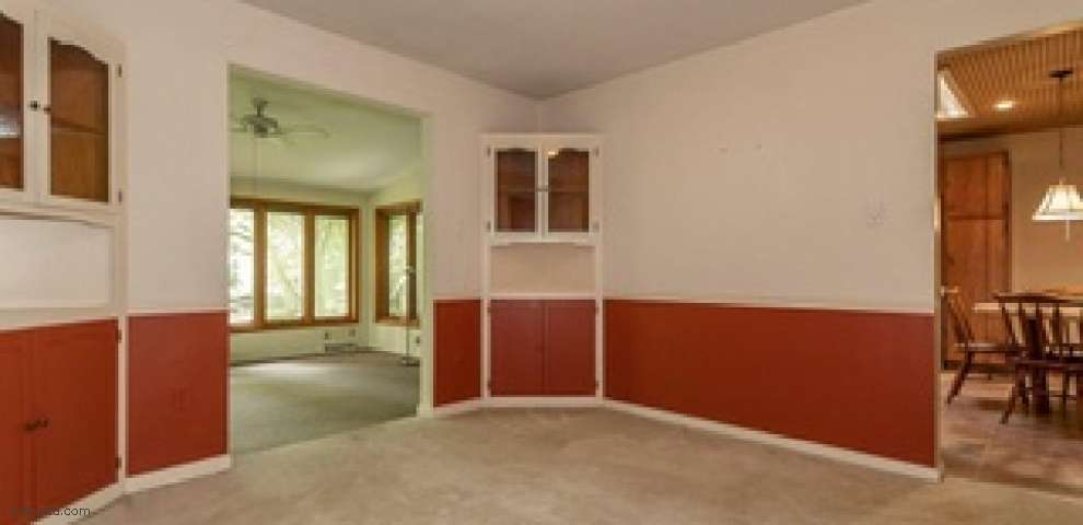 28290 White Rd, Willoughby Hills, OH 44092