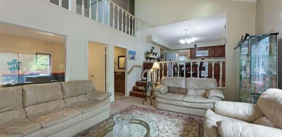 10128 Hobart Rd, Kirtland, OH 44094