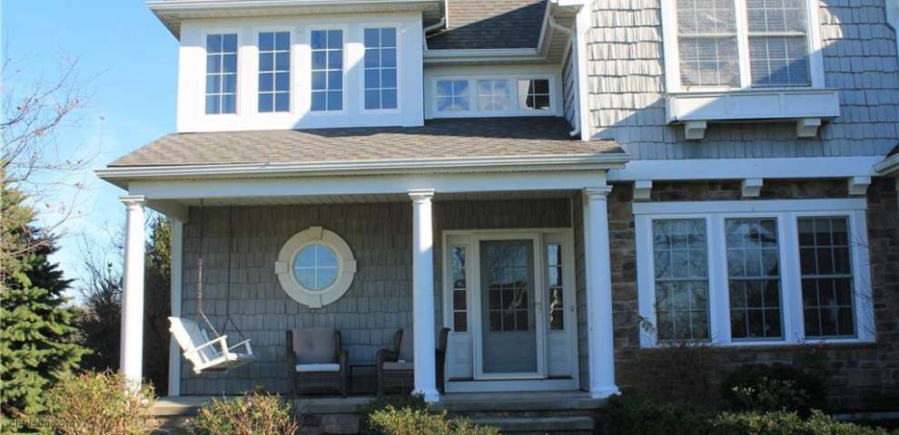 2387 Michelle Ct, Willoughby Hills, OH 44094