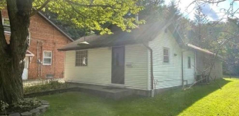 2864 Som Center Rd, Willoughby Hills, OH 44094
