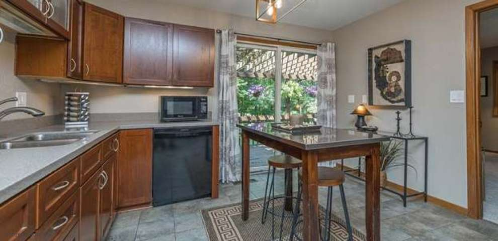 35685 Chardon Rd, Willoughby Hills, OH 44094