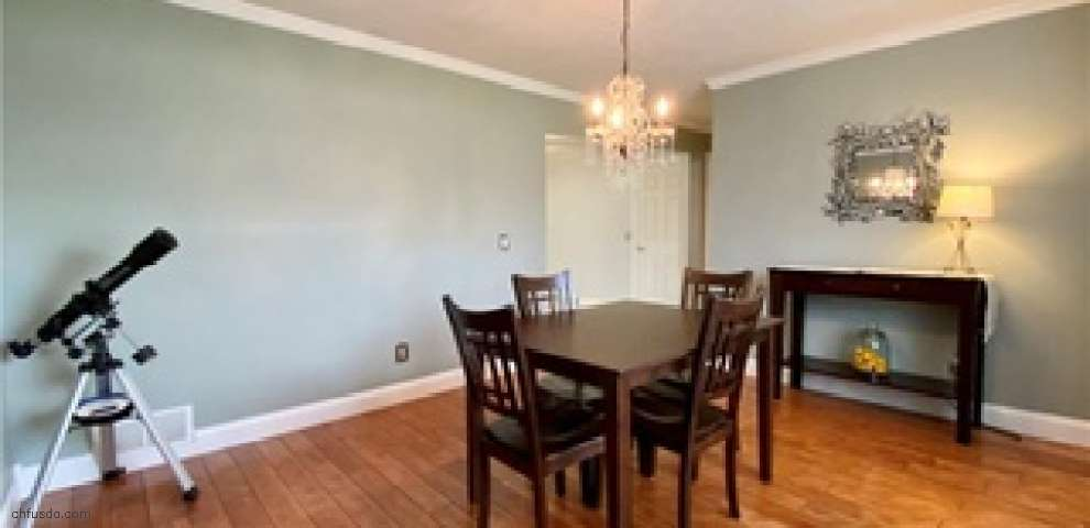3583 Abbotts Mill Dr, Willoughby, OH 44094
