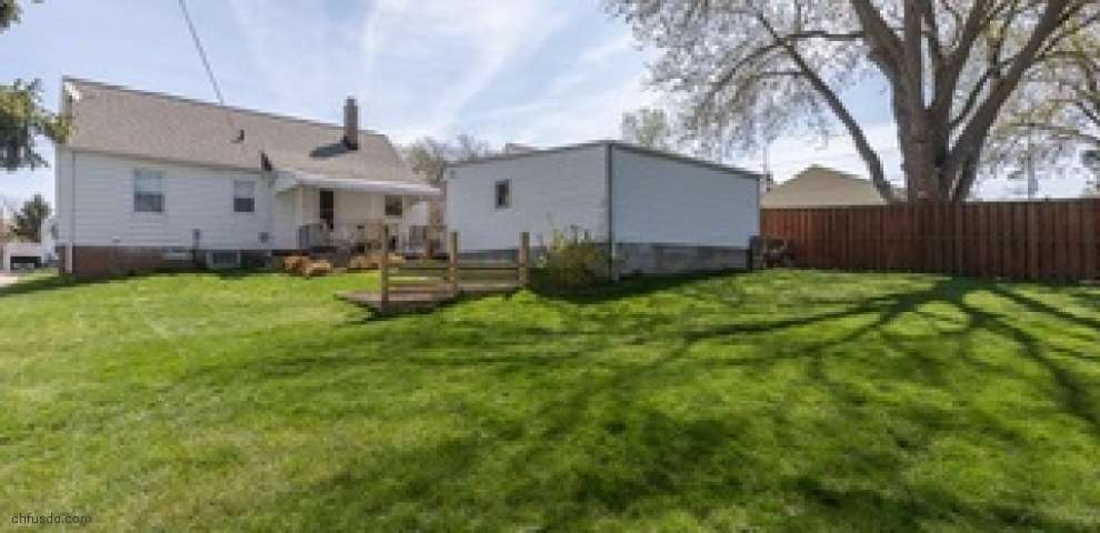5330 Melody Ln, Willoughby, OH 44094