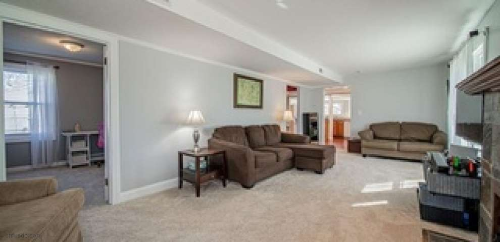 833 Eaglewood Dr, Willoughby, OH 44094