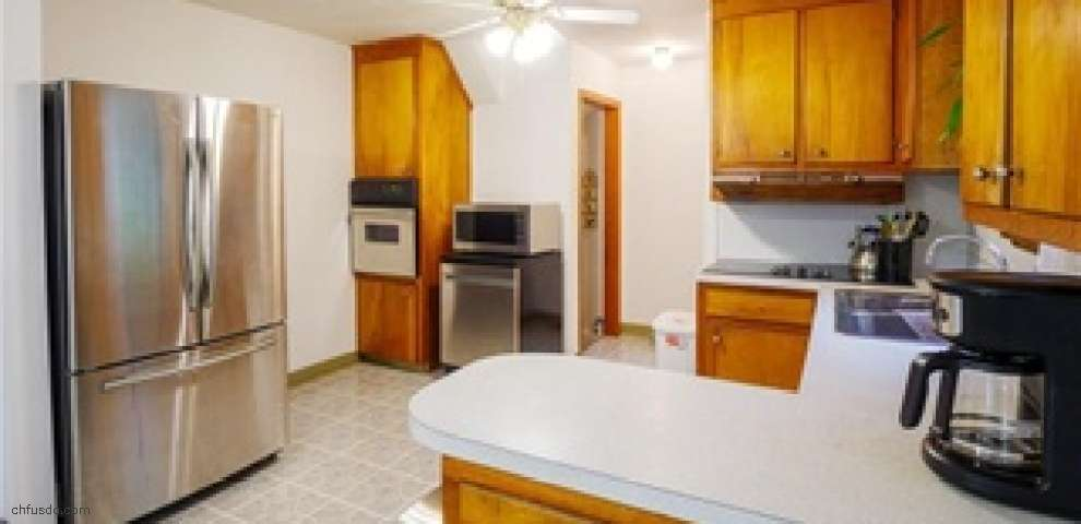 181 E 293rd St, Willowick, OH 44095