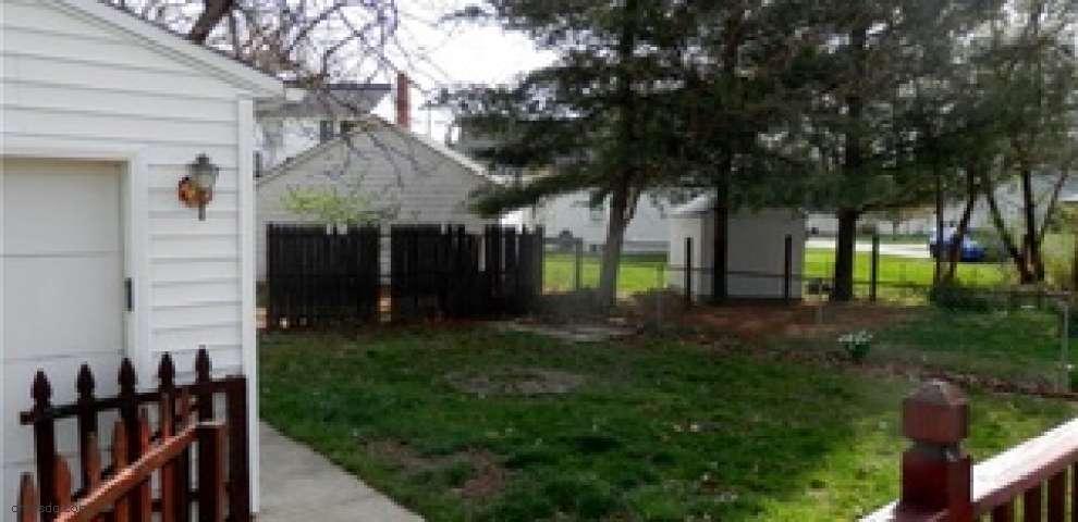 193 Kenyon Rd, Eastlake, OH 44095