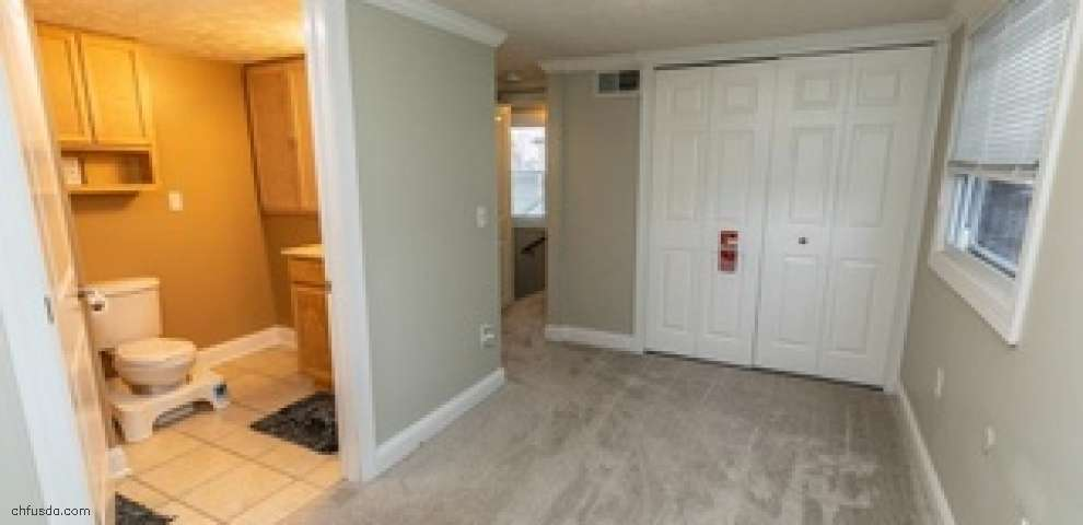 250 E 327th St, Willowick, OH 44095