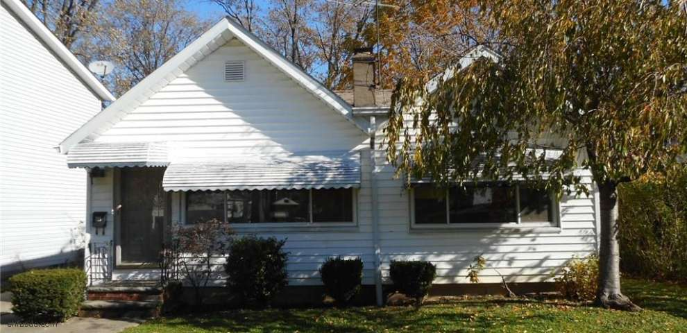 315 E 284th St, Willowick, OH 44095