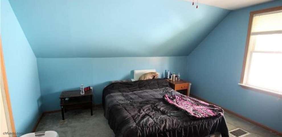 33007 Barbara St, Eastlake, OH 44095