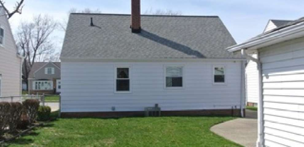 339 Blissfield Dr, Willowick, OH 44095