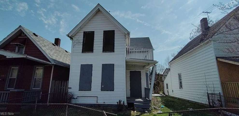 2171 W 81st St, Cleveland, OH 44102