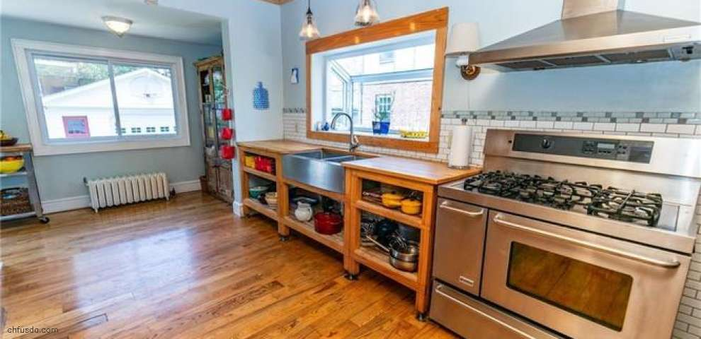 2166 Middlefield Rd, Cleveland Heights, OH 44106