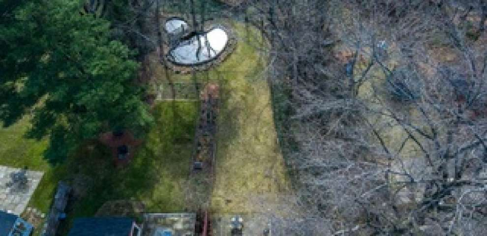 2402 Overlook Rd, Cleveland Heights, OH 44106