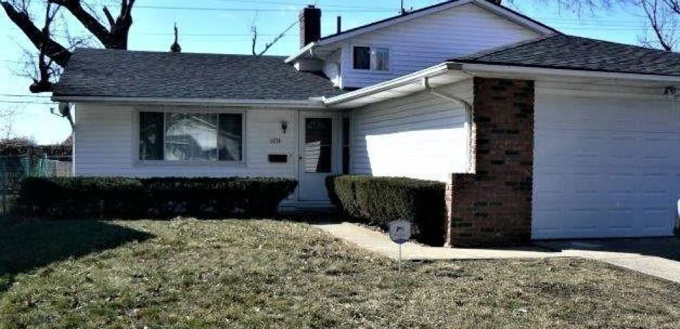 1074 E 167 St, Cleveland, OH 44110 - Property Images