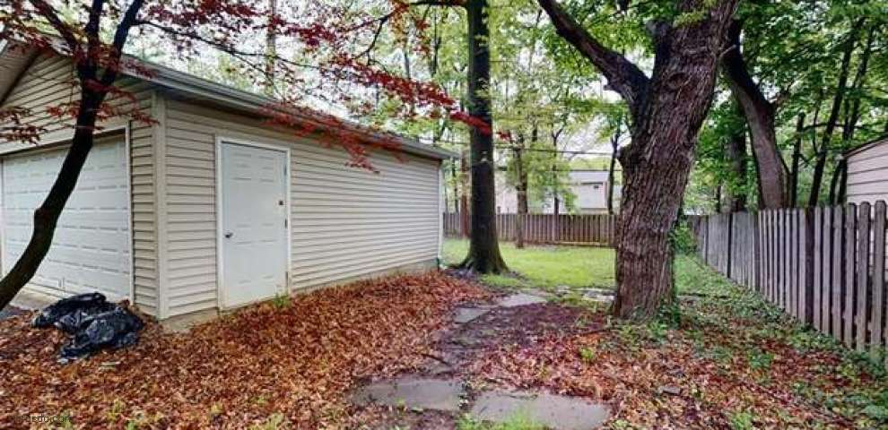1666 S Taylor Rd, Cleveland Heights, OH 44118