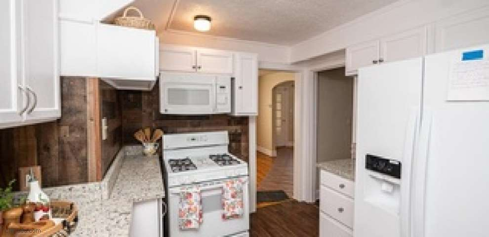 1961 Staunton Rd, Cleveland Heights, OH 44118