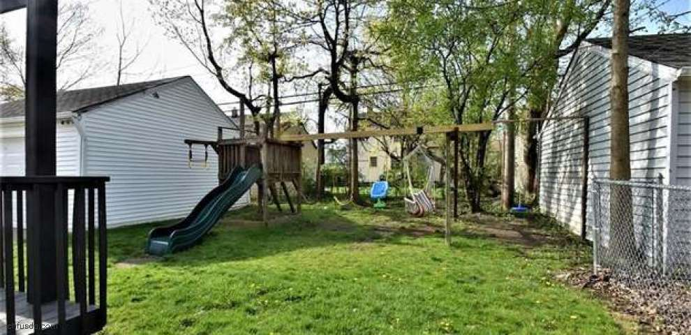 3822 Severn Rd, Cleveland Heights, OH 44118