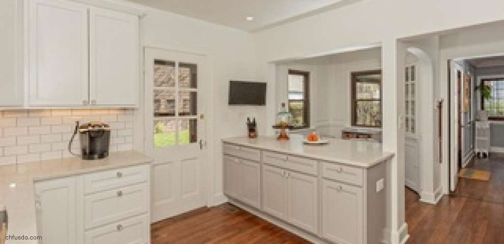 16623 Fernway Rd, Shaker Heights, OH 44120