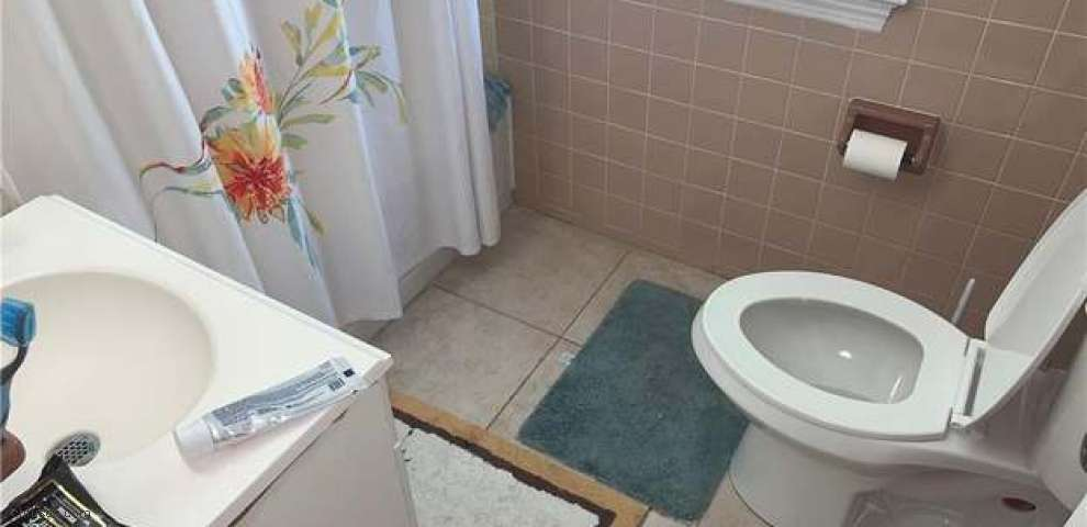 1012 Rushleigh Rd, Cleveland Heights, OH 44121 - Property Images