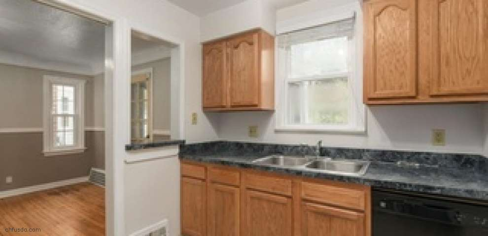 1148 Pennfield Rd, Cleveland Heights, OH 44121