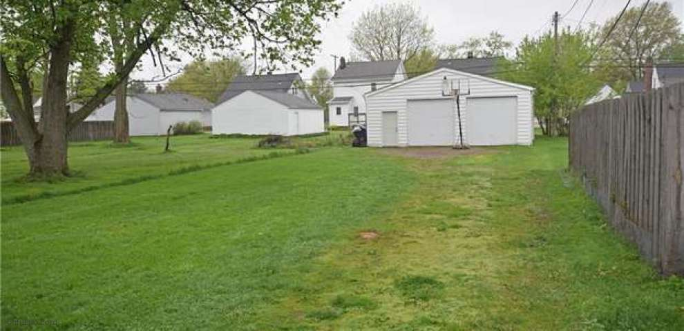 1308 Elmwood Rd, Mayfield Heights, OH 44124