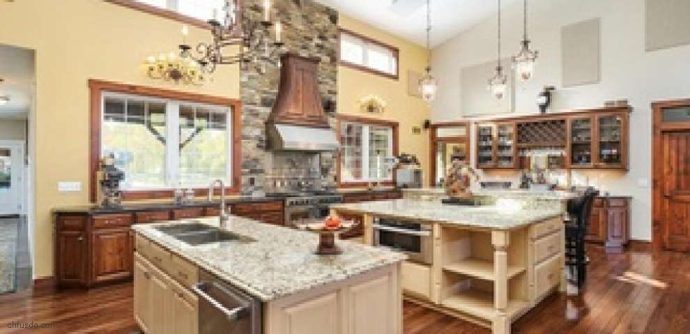 12100 Tinkers Creek Rd, Valley View, OH 44125