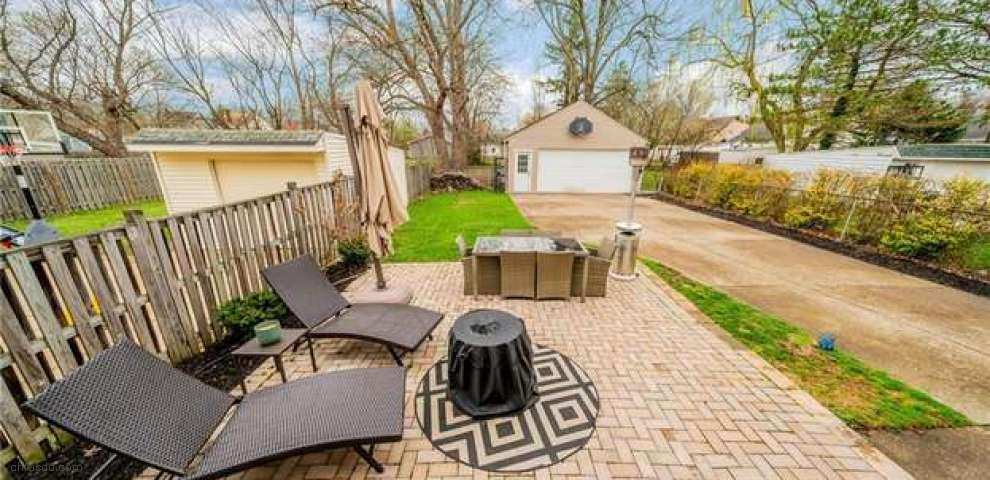 20874 Westwood Ave, Fairview Park, OH 44126