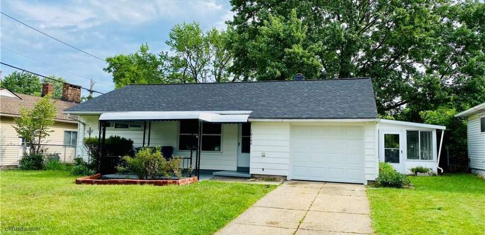 10146 Manorford Dr, Parma Heights, OH 44130