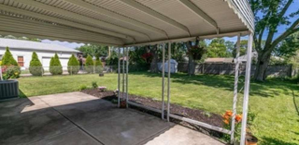 10814 Windham Rd, Parma, OH 44130