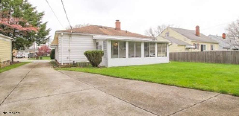 10903 Windham Rd, Parma, OH 44130