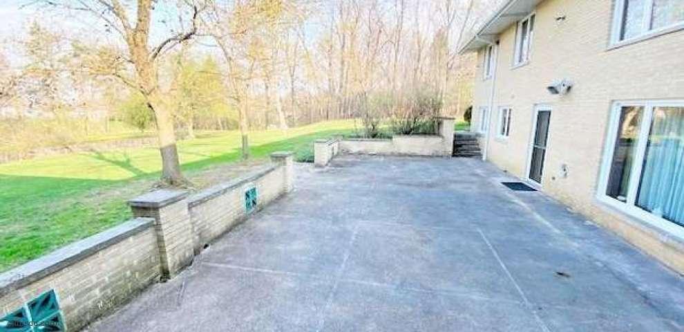 11369 Gordon Dr, Parma, OH 44130 - Property Images