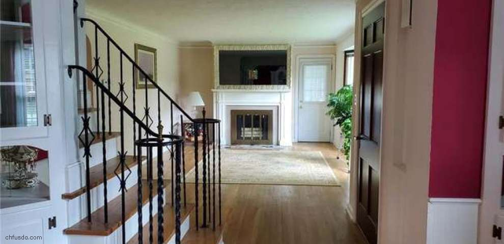 13200 Old Pleasant Valley Rd, Middleburg Heights, OH 44130