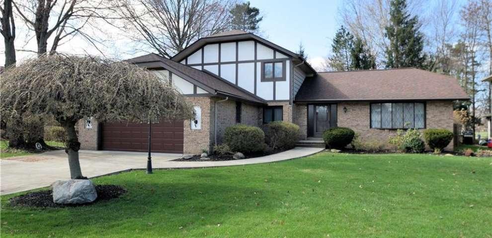 15153 Dogwood Cir, Middleburg Heights, OH 44130