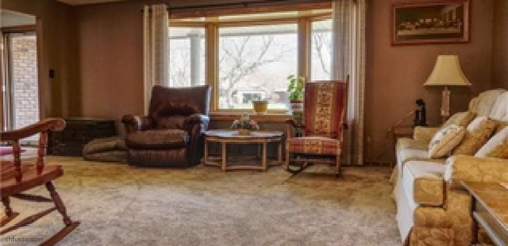 7658 Klein Dr, Middleburg Heights, OH 44130