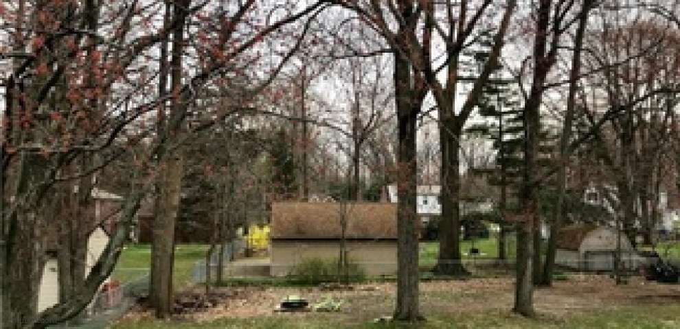 6455 Tanglewood Ln, Seven Hills, OH 44131