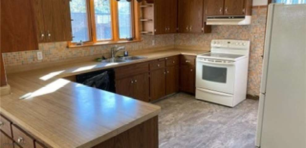 6561 Broadview Rd, Seven Hills, OH 44131