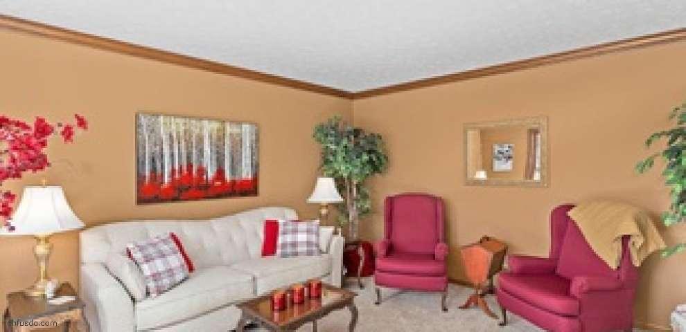 10020 Brookside Cir, North Royalton, OH 44133 - Property Images