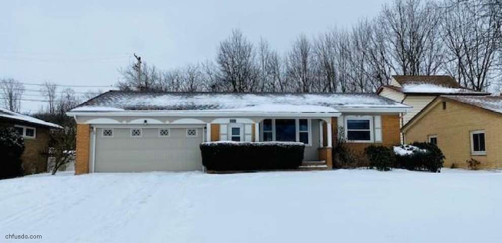 2061 Williamsburg Dr, Parma, OH 44134 - Property Images