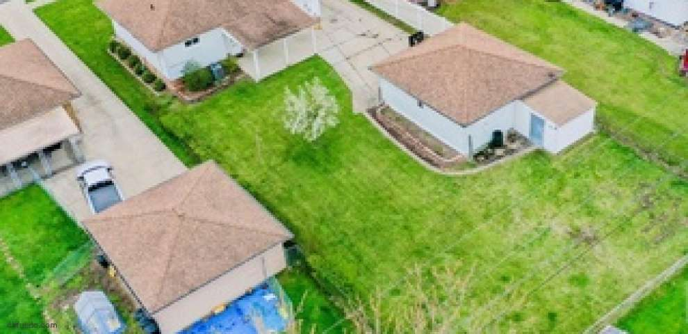 2900 Jeanne Dr, Parma, OH 44134