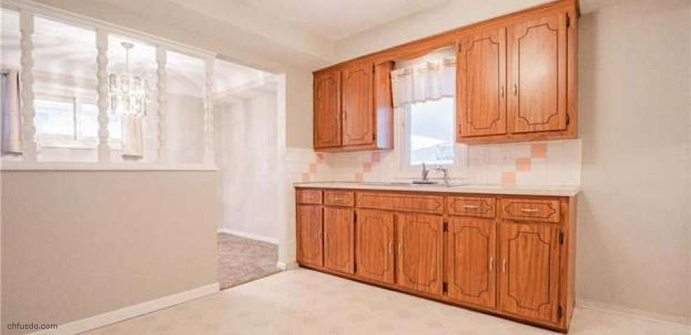 2900 Jeanne Dr, Parma, OH 44134 - Property Images