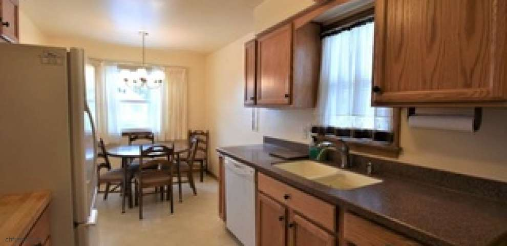3003 Center Dr, Parma, OH 44134 - Property Images
