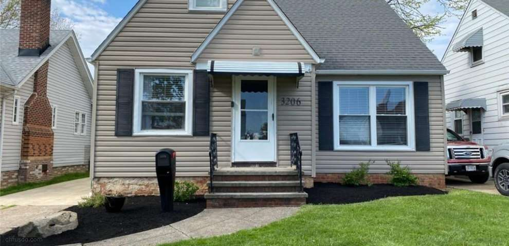 3206 Ingleside Dr, Parma, OH 44134