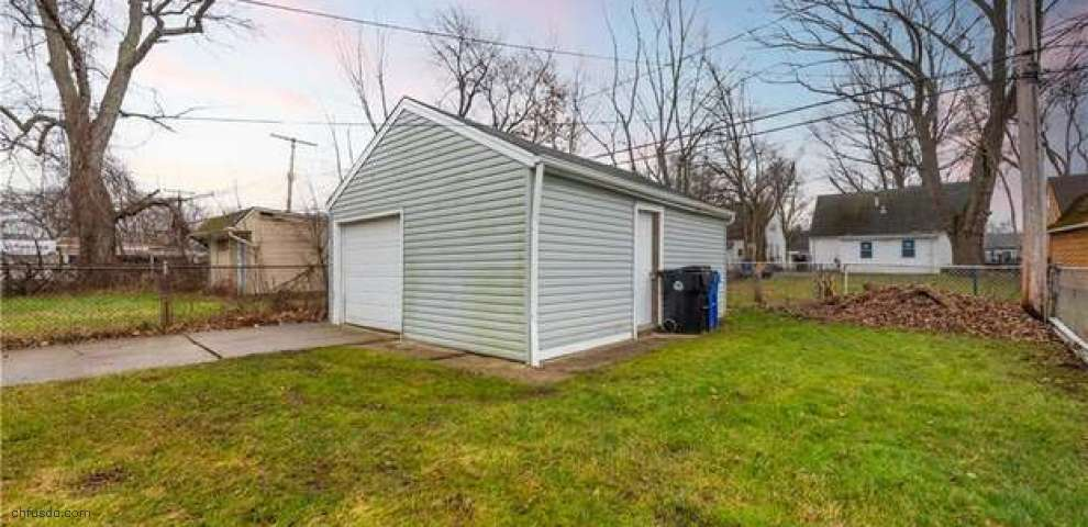 18613 Parkmount Ave, Cleveland, OH 44135