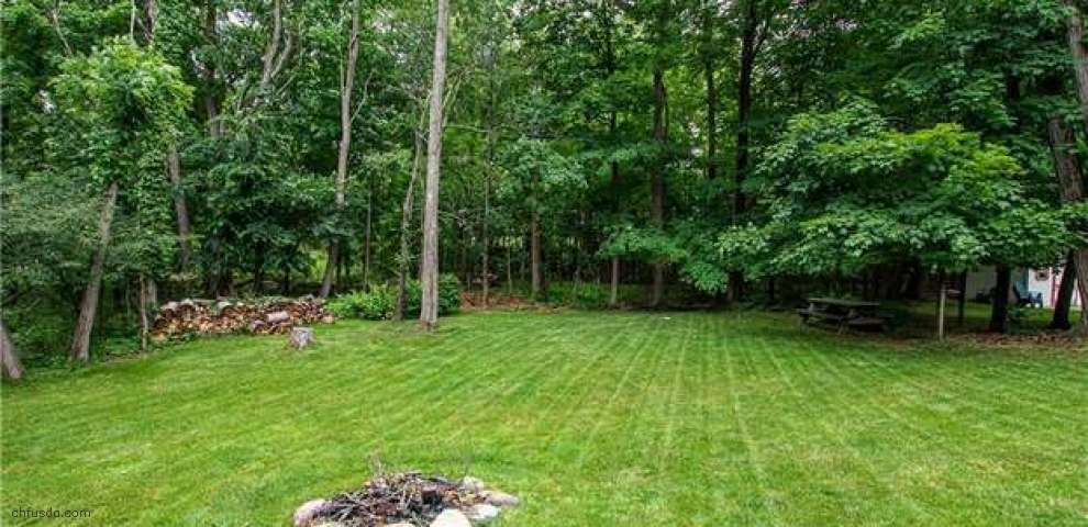 10173 Mataire Ln, Strongsville, OH 44136