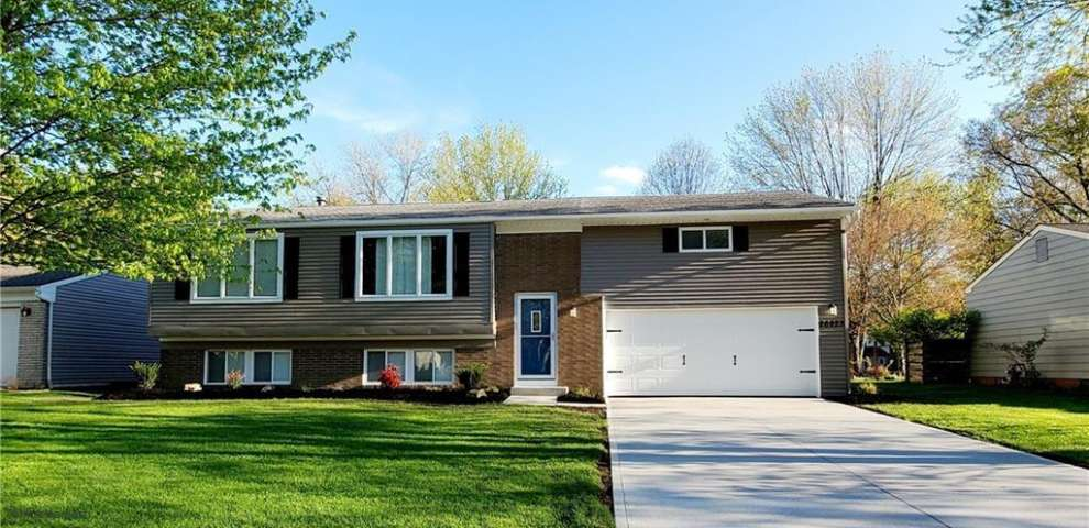 26923 Oxford Park Ln, Olmsted Township, OH 44138
