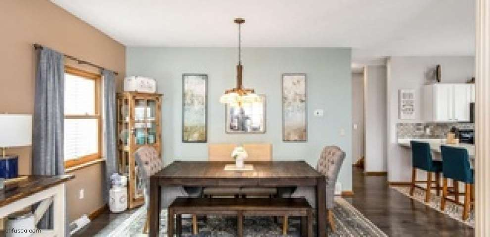 8133 Mapleway Dr, Olmsted Falls, OH 44138