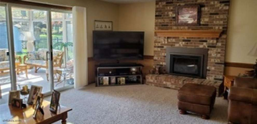 415 Lowell Dr, Highland Heights, OH 44143