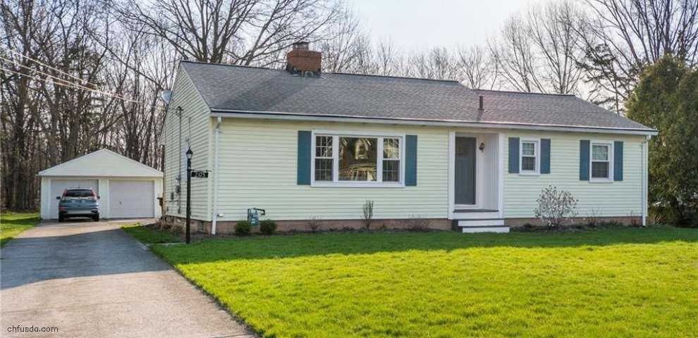 2375 W Hedgewood Dr, Westlake, OH 44145